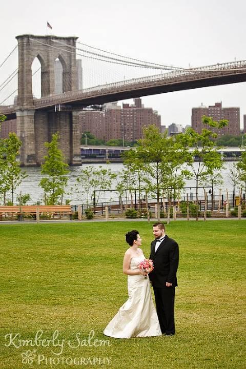 Bride and groom at Brooklyn Bridge park