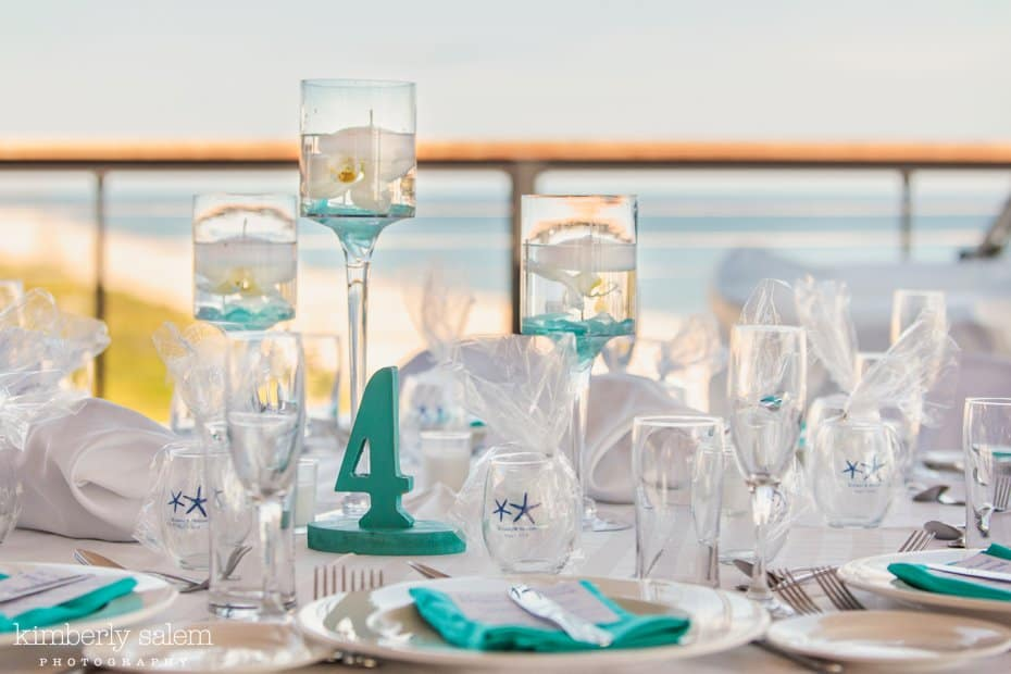 reception table details - white and blue